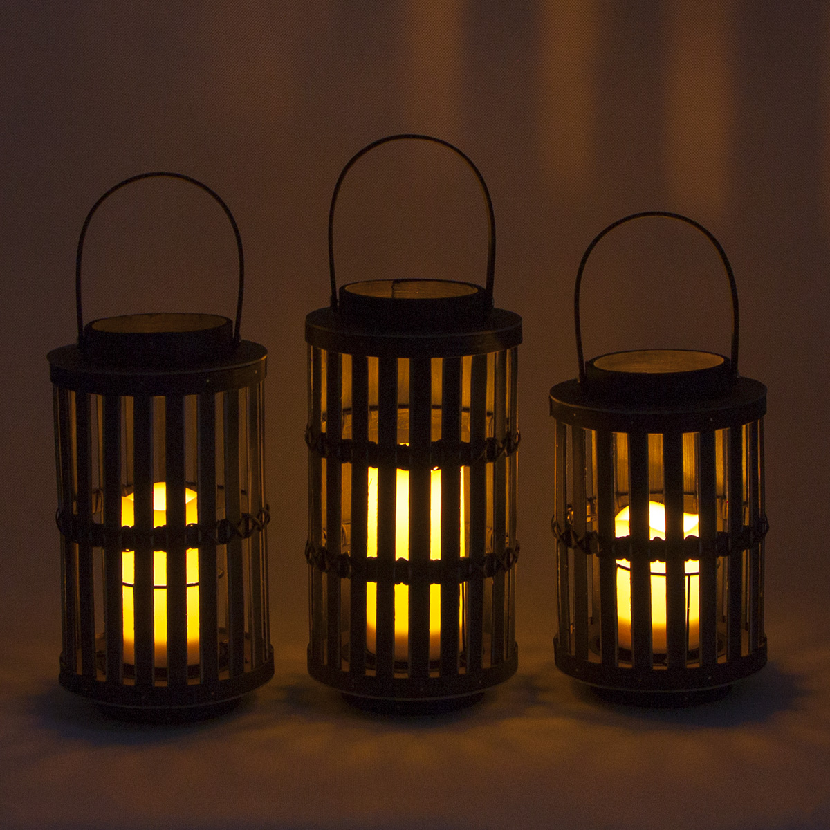 Solar Wood Lantern Garden Party Table Decoration Featured Image