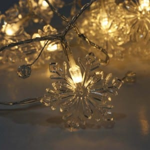 Plastic Snow Style Battery Operated LED String Light